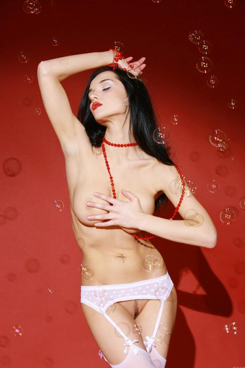 Голая фотомодель Женя и ее интимные прелести