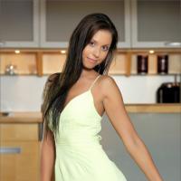 Нежная молодая девушка с горячим телом и ее красивая фото эротика
