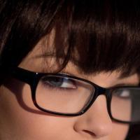 Откровенная фото эротика голой красивой секретарши в очках