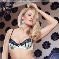 Красивая обнаженна блондинка модель журнала playboy