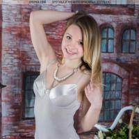 Сексуальная голая попа и титьки молодой эро модели
