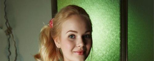 фото голой молоденькой блондинки