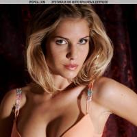 фото сексуальной голой девушки