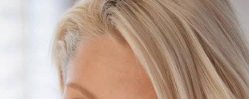 Сладкая киска молоденькой девушки блондинки