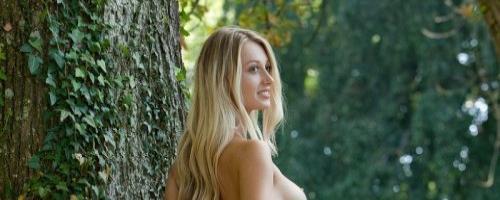 Эротика красивой русской девушки с сексуальным голым телом