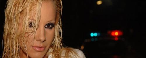Блондинка будет наказана за своё отвратительное поведение