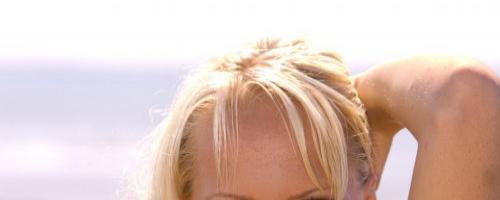 Блондинка с такой грудью