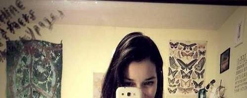 Селфи девушек на телефон подборка