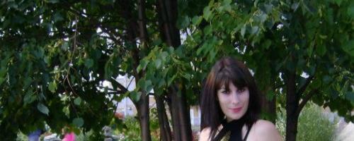 Девушка шагает босиком подборка