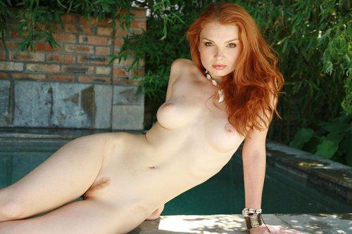Рыженькие девчонки обнаженные в роскошных интерьерах