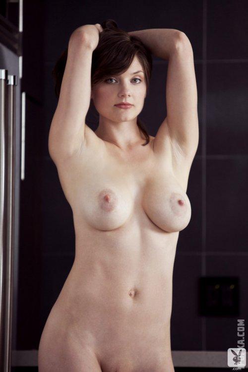 Подборка фотографий большегрудой Лизы Кит в стрингах и прозрачной кофточке