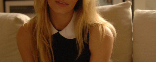 Картинки красивой блондинки с идеальной фигурой в кружевном нижнем белье