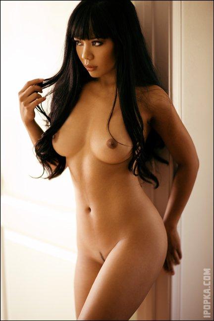 Фото голых азиаток с сексуальными, молодыми сиськами