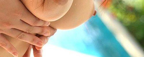 Горячие азиатки на фото голые показывают свои молодые груди и попки