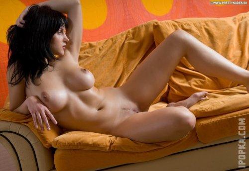 Смотерть эротику в озорных оранжевых тонах