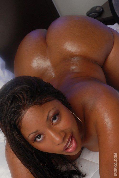 Большие черные жопы негритянок готовы для секса