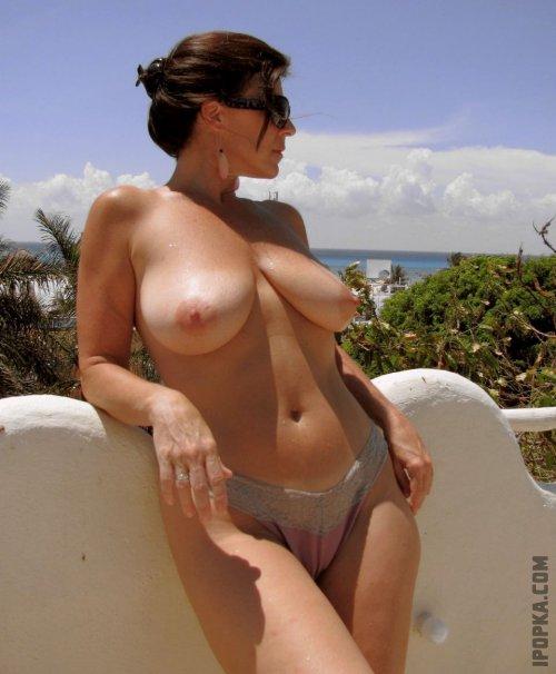 Частные фото: горячая подборка больших сисек женщин и зрелых дам