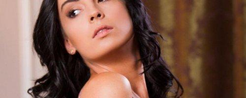 Сексуальный стриптиз и эротика от красивой опытной женщины