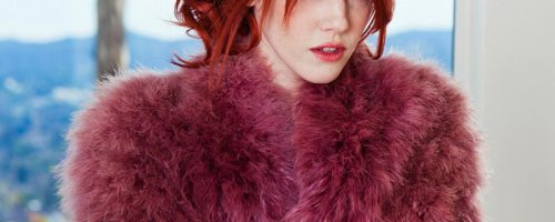 Красивая голенькая темно рыжая девочка из плейбоя