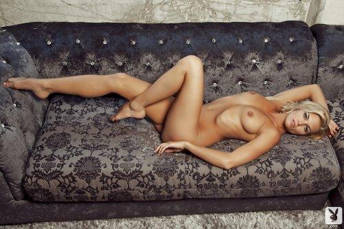 Картинки голых девушек и красивая эротика на качественных фото playboy