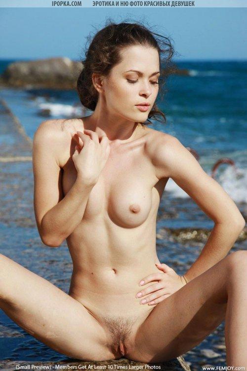 Обнаженные фото голенькой телки с отдыха на море
