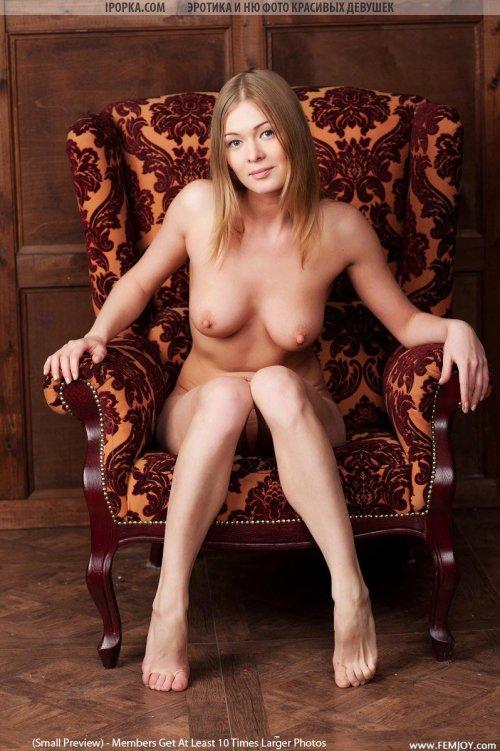 Фотографии красивой девушки голышки с отличной фигурой