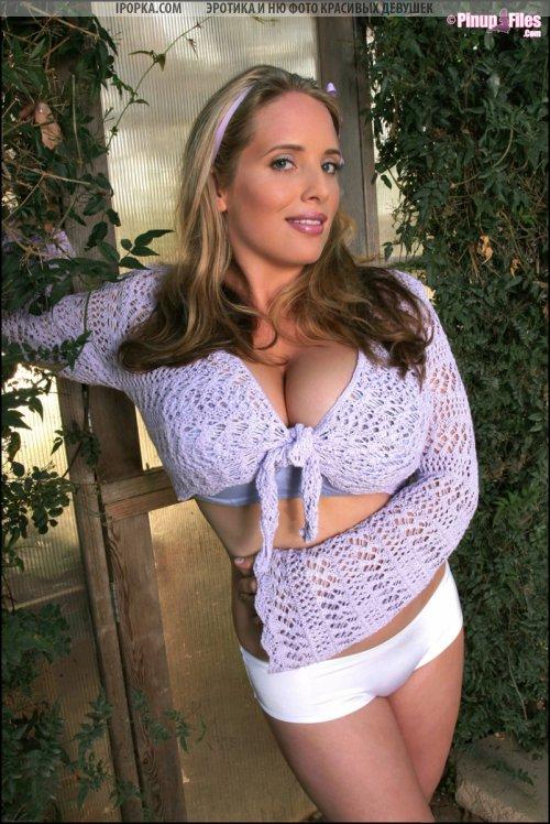 Смотреть фото очень большой голой груди женщины