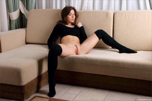 интимые фото молодой гимнастки