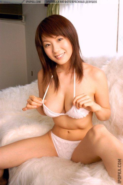 азиаточки с голыми грудями и попками