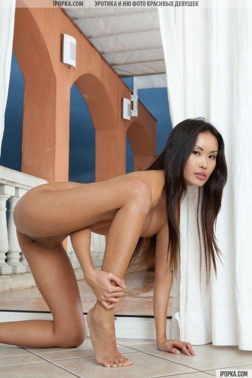 красивая азиатская девушка фото