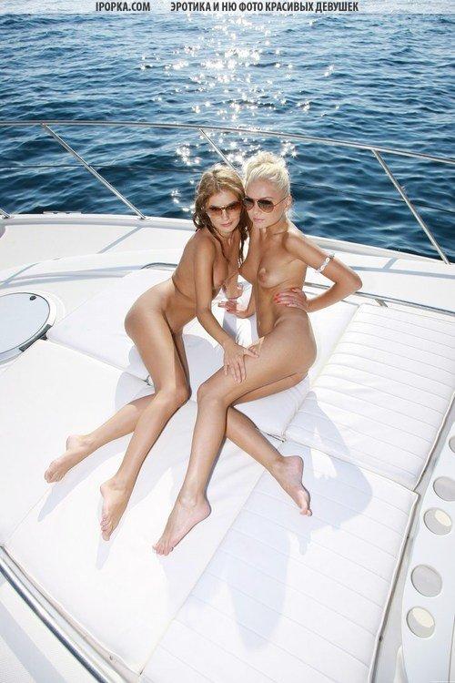 фото две красивые лесбиянки