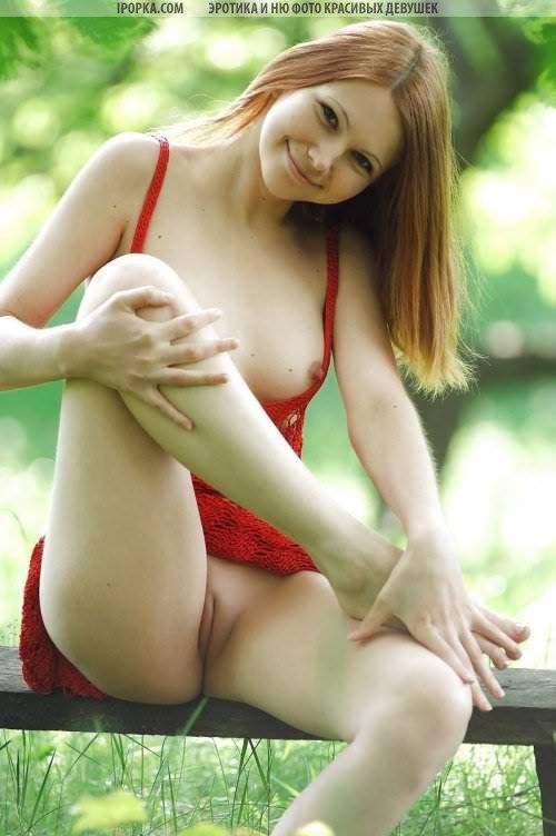 Рыжие девушки позируют голыми, разные фотографии