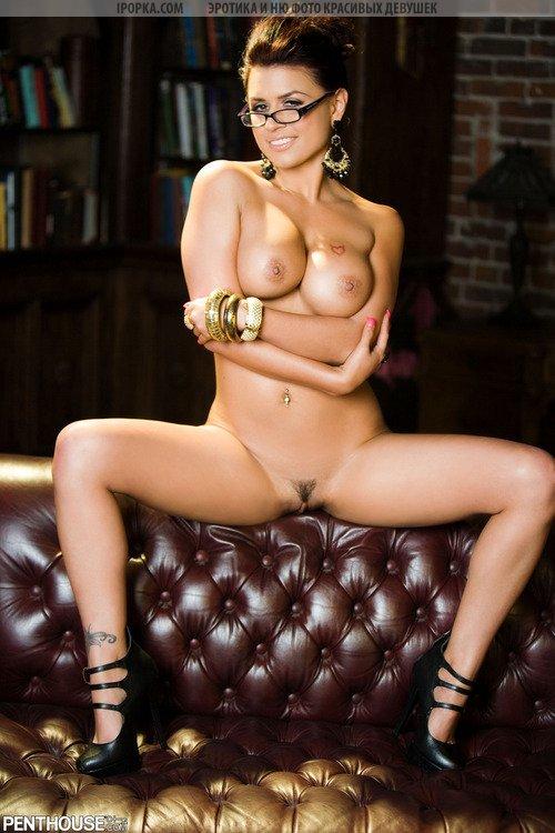 Фото голой сексуальной зрелой дамы