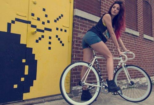 Сексуальные попки девушек на велосипедах подборка