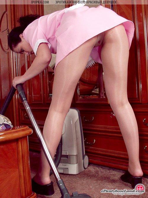 Очень сексуальные госпожи горничные убирающиеся подборка