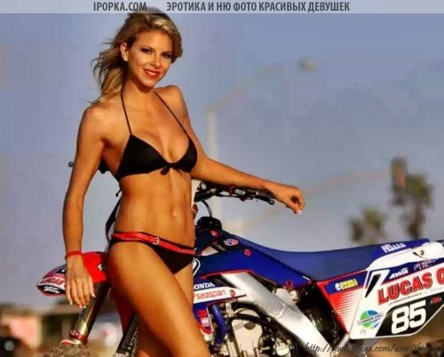 Голые девушки на мотоциклах