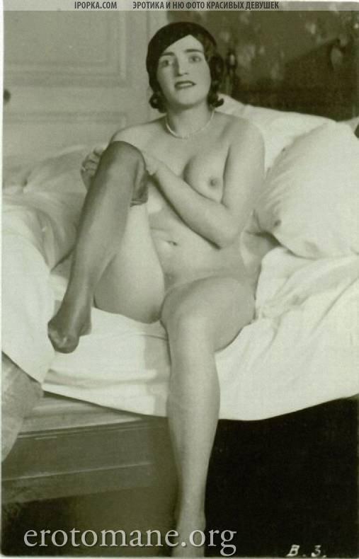 Обнаженные дойки женщины (19 фото)