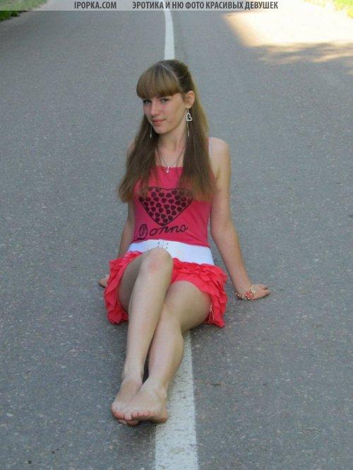Девушки босиком подборка