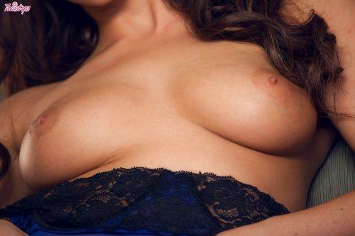 Фото ню красиво, шикарной леди в корсете