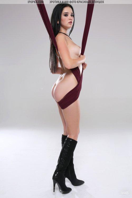 Фото голой сексуальной гисмтнастки