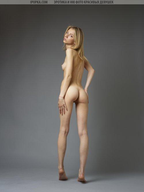 Худая блондиночка разделась на кастинге