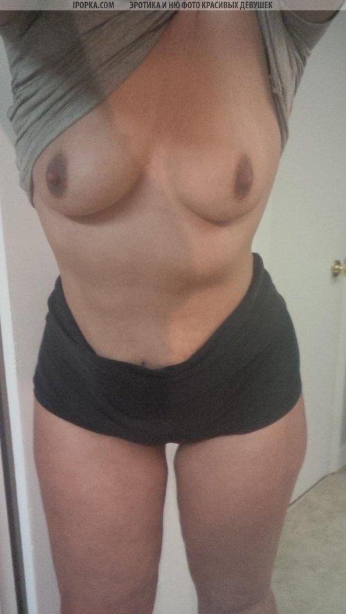 Селфи голой пышной женщины
